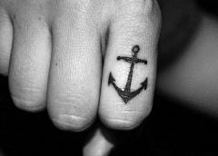 tatuaje nudillos