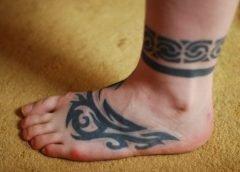tribales en el pie