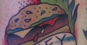 Tatuaje de hamburguesa