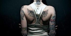 tattoo de alas para mujer