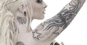 chica punk tatuajes