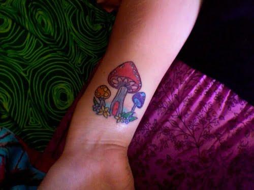 shrooms tattoo