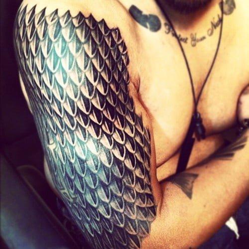 tatuaje escamas de dragón