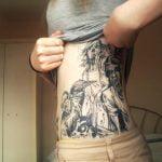 Tattoo henna en mano