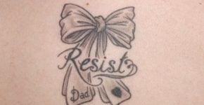 tatuaje moño