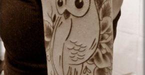 tatuaje buho hombro