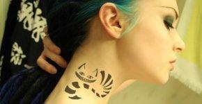 tatuaje gato alicia cuello