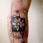 Par de tatuajes en los puños
