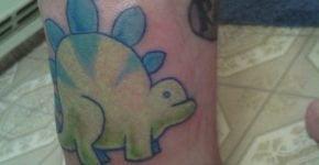 Tattoo caricatura Dinosaurio