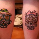 Pareja tatuajes en pies