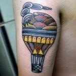 Tatuaje cruz invertida