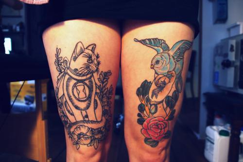 Tatuaje gato y pájaro