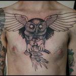 Retrato tatuado en la pierna