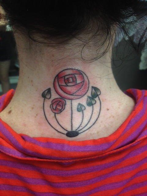 Tatuaje rosa alternativa