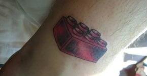 Tatuaje pieza de lego