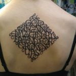 Tatuaje diseño en el brazo