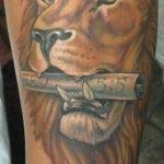 Tatuaje de un Lirio en la espalda