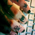 Tatuaje calavera y rosas