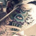 Tatuaje en mano de hombre
