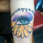 Tatuaje en el brazo para amantes del cine