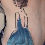 Tatuaje sombra de árbol con corazón