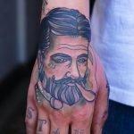 Un retrato tatuado por Xoil