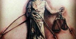 Tatuaje sobre la justicia