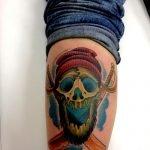 Tatuaje en la espalda de un joven