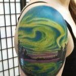 Tatuaje en la espalda del sagrado corazón