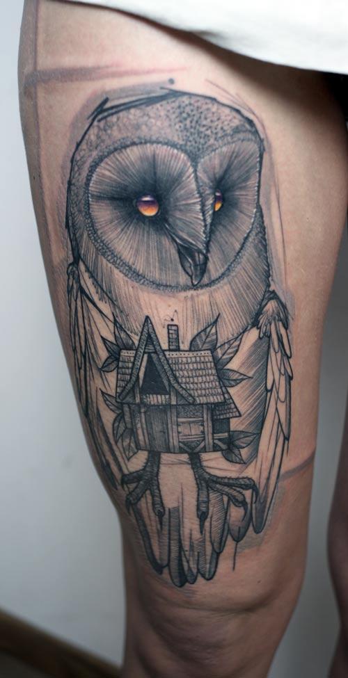 Tatuaje de búho en la pierna