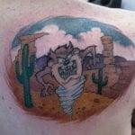 Tatuaje de taz en la espalda