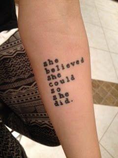 frases en inglés tatuadas en el antebrazo
