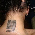 Tatuaje Ohm de una visitante