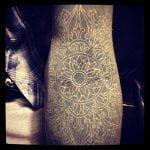Tatuaje conejo en prismas