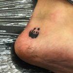 Tatua hindú en el pie