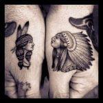 Pájaros tatuados en el pecho