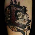 Tatuaje de un zorro en el puño