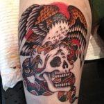 Tatuaje de lobo en el antebrazo