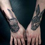 Tatuaje globo aerostático para mujer