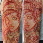 Tatuaje de un nautilo en las costillas
