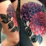 Tatuaje de elefante y flores