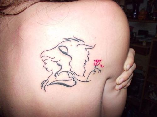 Tatuaje de La Bella y la Bestia