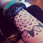 Tatuaje con muchos relojes