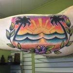 Tatuaje globo aerostático en brazo