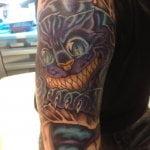 Tatuaje sistema solar en el brazo