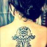 Tatuaje de atrapa sueños en antebrazo