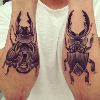 Tatuaje insectos en el antebrazo