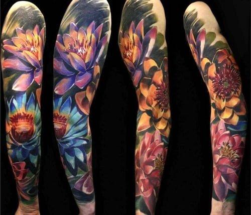 Tatuaje brazo floreado