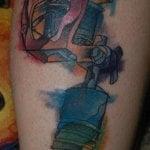 Tatuaje ruinas submarinas en el brazo