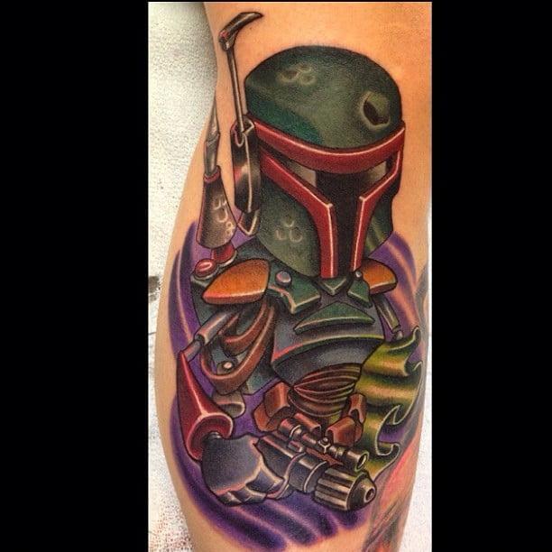 Tatuaje caricaturezco de Boba Fettt
